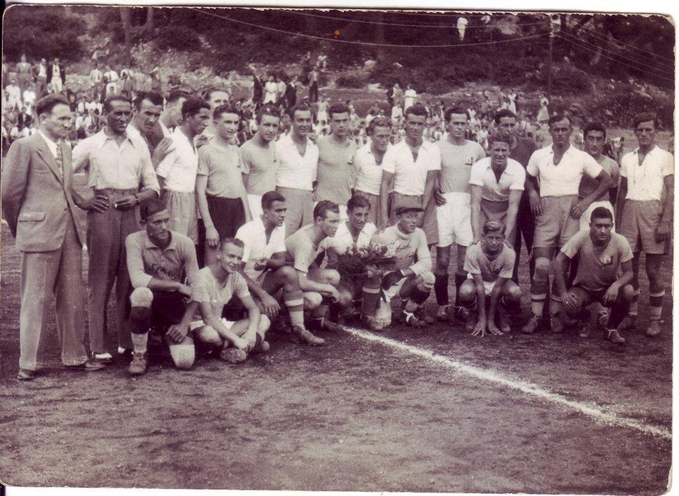 Orijent krajem 30-tih godina. Na slici B. Polić i M. Pilepić s ekipom